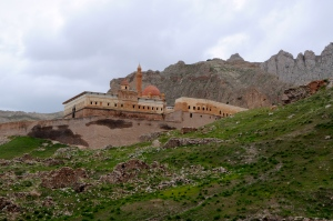 Ishak Pasha Palace from below